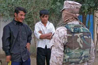 Vermummter Dolmetscher im Irak.