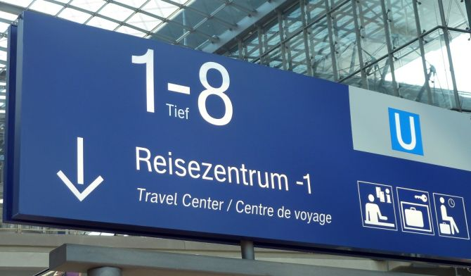 Schild Reisezentrum