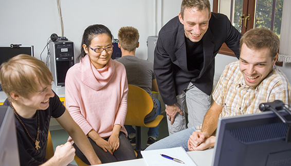 Computerraum Hochschule Anhalt