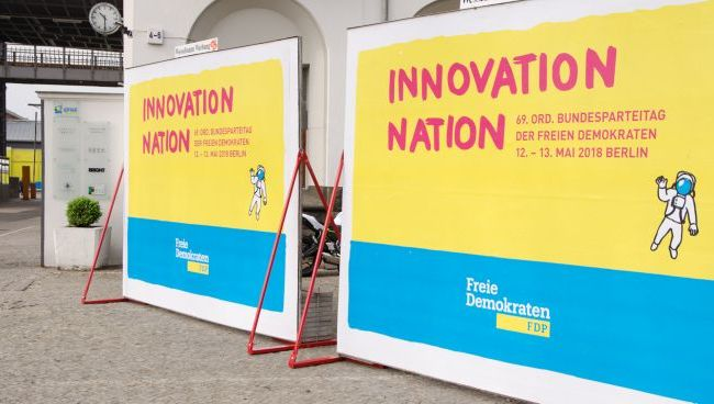 "Stellwände ""Innovation Nation"""