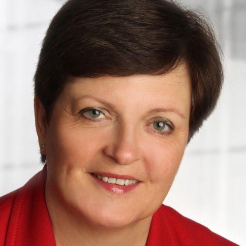 Birgit Strauß: Slowakisch, Russisch < > Deutsch