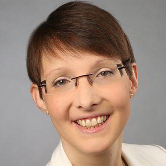 Nina Plünnecke: Englisch (US) < > Deutsch