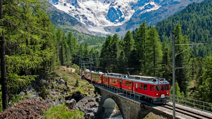Ein Zug in der Schweiz