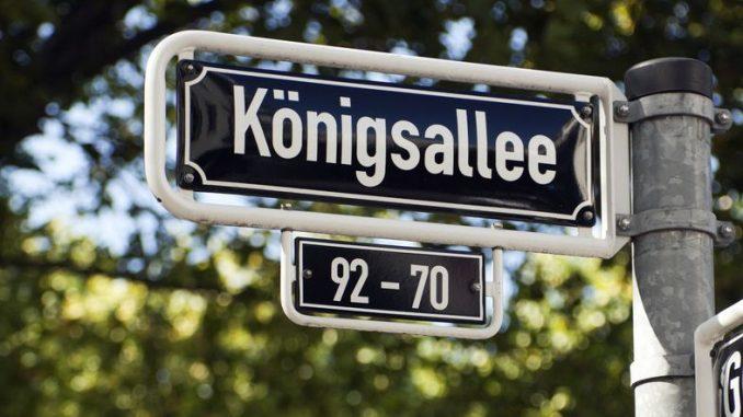 Straßenschild Königsallee