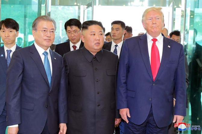 Moon, Kim, Trump mit Dolmetschern