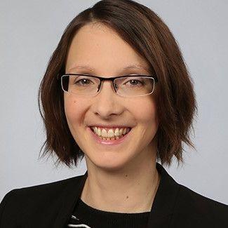 Nina Plünnecke: Englisch < > Deutsch