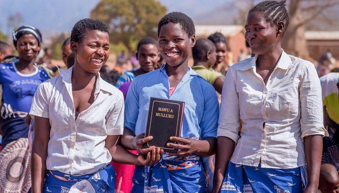 Bibelübersetzung Ellomwe Malawi)