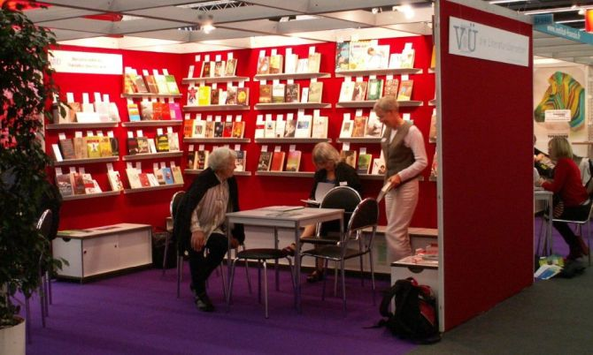 VdÜ-Stand Frankfurter Buchmesse